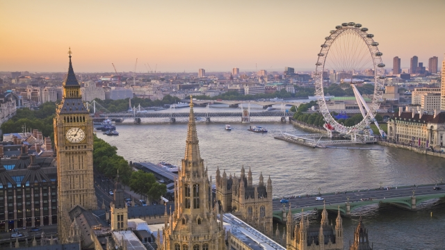 76709-640×360-houses-of-parliament-and-london-eye-on-thames-from-above-640