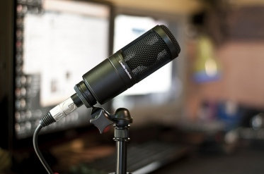 Audio-Technica-AT2020-USB-Podcasting-Mic.jpg